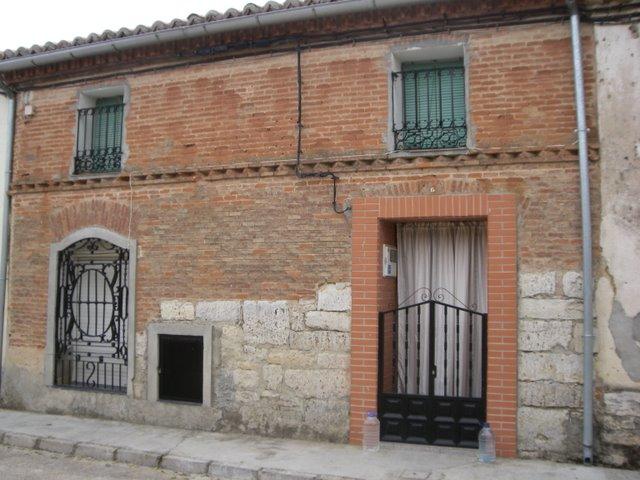 Casa Tipica De Piedra Y Ladrillo