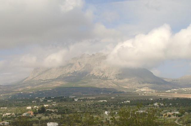 http://imagenes.forociudad.com/fotos/104542-velez-rubio-el-mahimon-desde-el-cerro-colorao.jpg