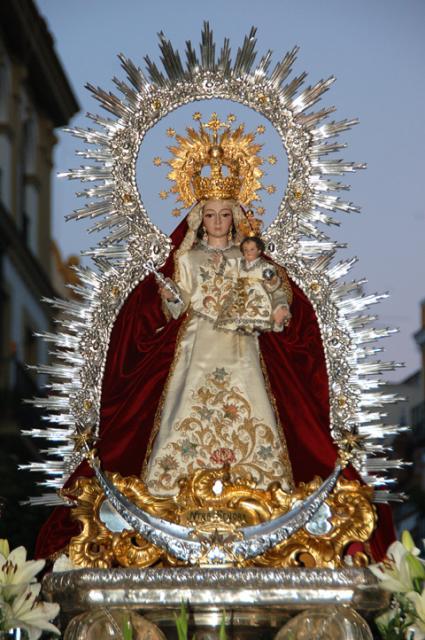 Resultado de imagen de Salida procesional de la Virgen del Prado - Sevilla