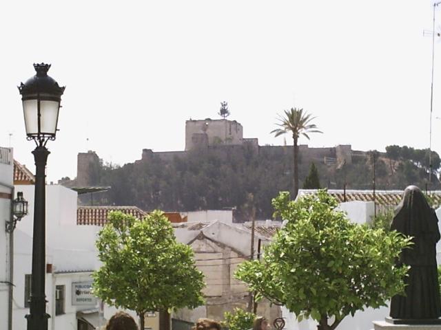 Vista del castillo de moron - Fotos de moron de la frontera ...