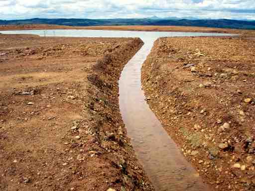 Lagunas artificiales en el paramo villahibiera for Lagunas artificiales construccion