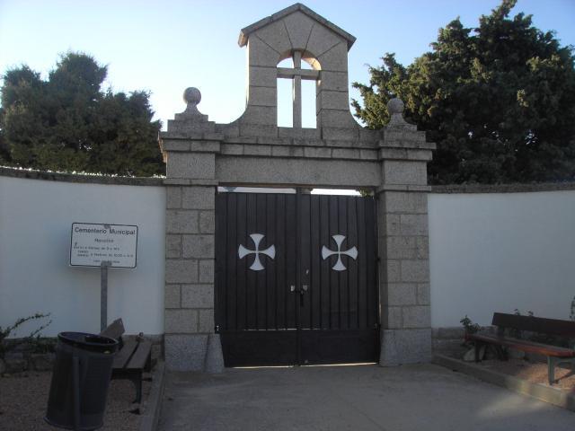 http://imagenes.forociudad.com/fotos/15652-guadarrama-cementerio-municipal.jpg