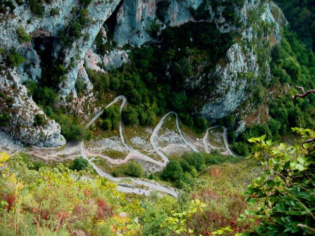 http://imagenes.forociudad.com/fotos/159257-tresviso-curvas-en-la-ruta-a-tresviso.jpg