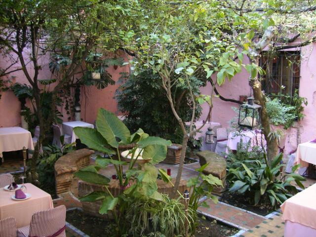 Patio tipico andaluz estepa - Fotos patio andaluz ...