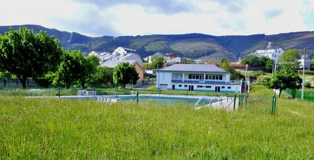 Quiroga lugo quiroga for Piscina municipal lugo