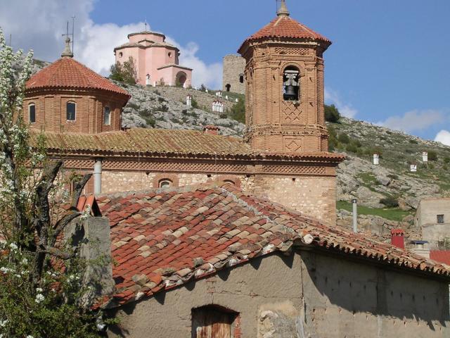 nuestra querida ermita y unpedacito del pueblo