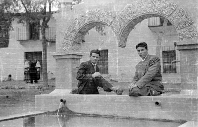 Fuente de la plaza del ayuntamiento - Casas de millan fotos ...