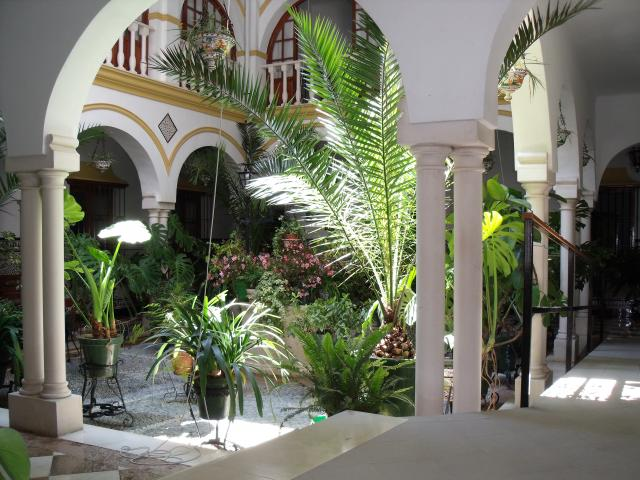 Patio andaluz del viejo asilo - Imagenes de patios andaluces ...