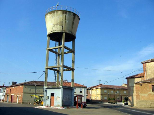 Deposito de agua bercianos del pramo - Depositos de agua rectangulares ...