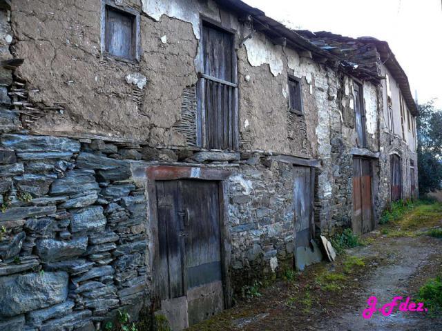 Casas antiguas en a portela de san paio pet n - Fotos de casas antiguas ...