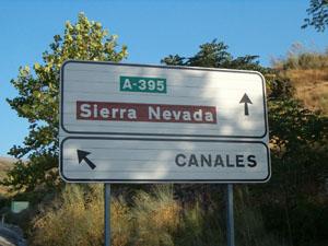 Entrada Pueblo de Canales