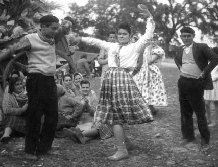 bailando en la romeria