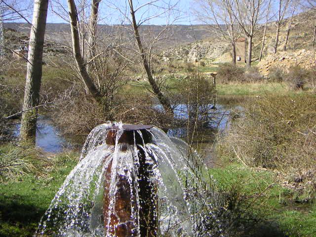Fuente rio ancho