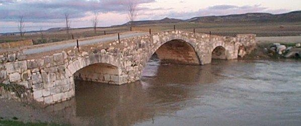 El puente viejo castronuevo de esgueva - Paginas amarillas de valladolid ...