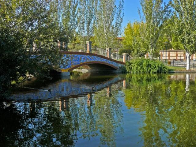 Lago del parque la alameda talavera talavera de la reina - La reina del mueble talavera ...