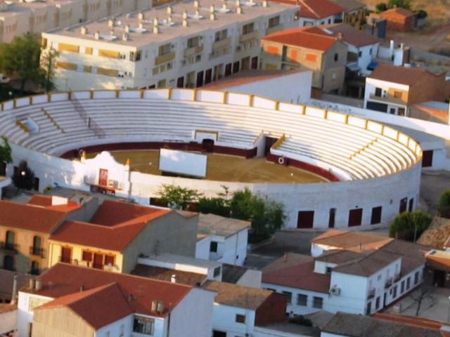 Videos  y fotos de nuestros lugares de origen o residencia 82758-santisteban-del-puerto-plaza-de-toro-de-santisteban-del-puerto