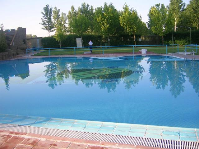 Piscinas de valencia de d juan for Horario piscinas valencia de don juan