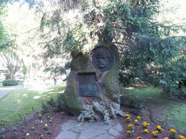 Monumento a pablo iglesias fundador del psoe - Paginas amarillas ferrol ...