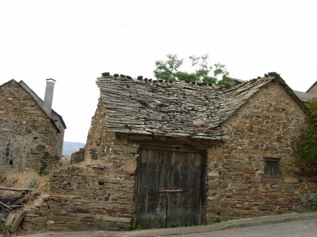 Casas Antiguas De Lucillo